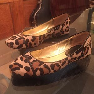 Coach calf skin Leopard print flats Sz 7